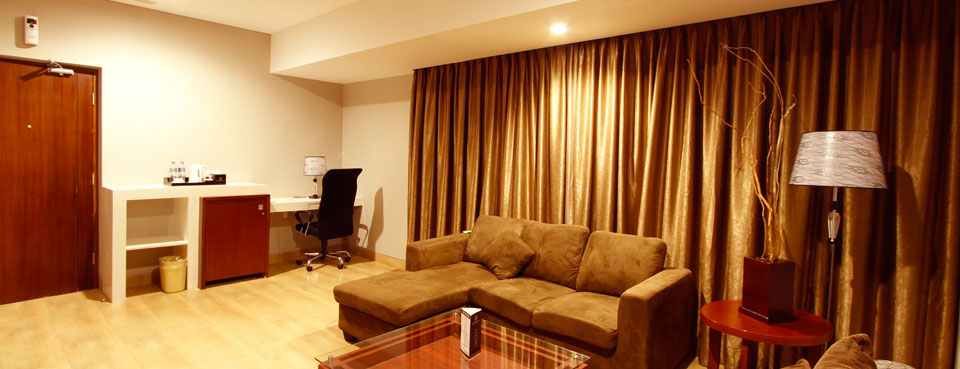 executive-suite-room2